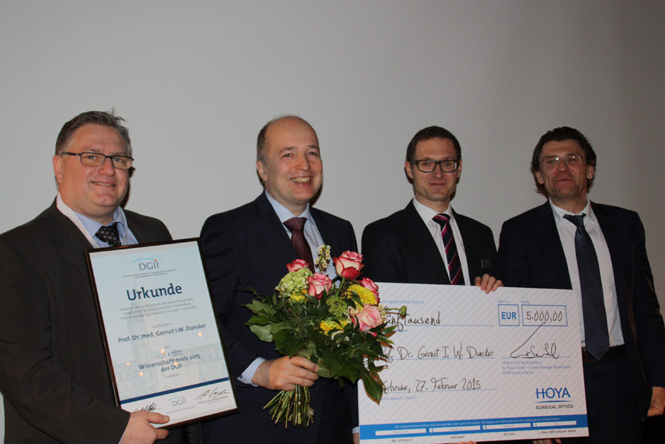 Prof. Duncker wins the HOYA Surgical Optics Awards 2015 in Germany