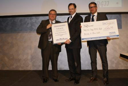 Winner of the First HOYA Surgical Optics Scientific Award in Germany